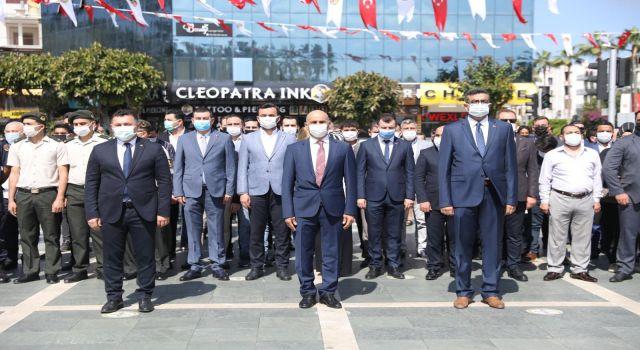 Alanya'da Atatürk'ü anma gençlik ve spor bayramı törenle kutlandı