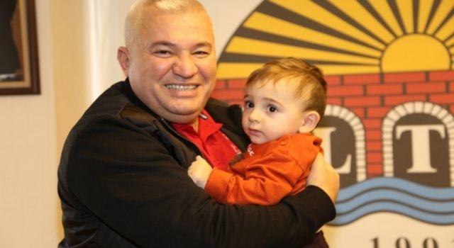 ALTSO başkanı Mehmet Şahin yakışanı yaptı Ahmet bebeğe 1 milyon tl bağışladı