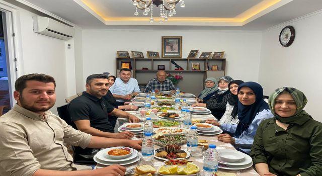 Başkan Adem Murat Yücel eşi Yıldız Yücel iftarını şehidimizin ailesi ile açtı
