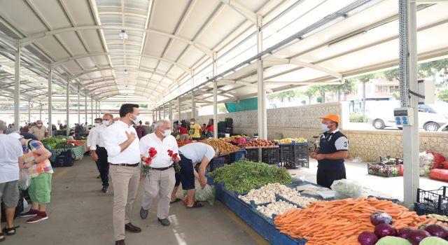 Başkan Toklu bugün açılan pazar esnafını ziyaret etti