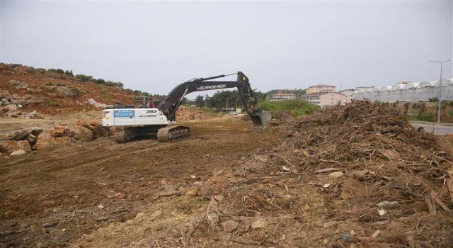 Batı mahalleleri yol açma çalışmaları devam ediyor