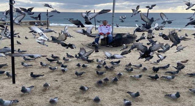 Haydar ustanın beslediği güvercinler otogar bölgesinin simgesi oldu