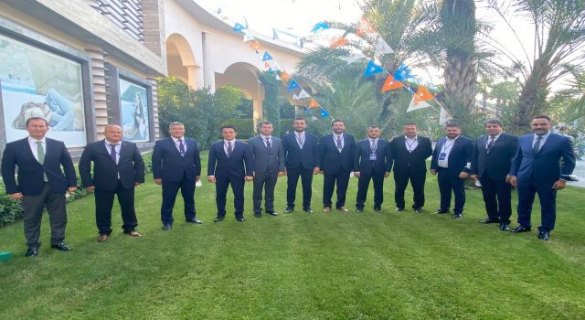 Ak partililer Antalya'da Cumhurbaşkanı Recep Tayyip Erdoğan ile bir araya geldiler
