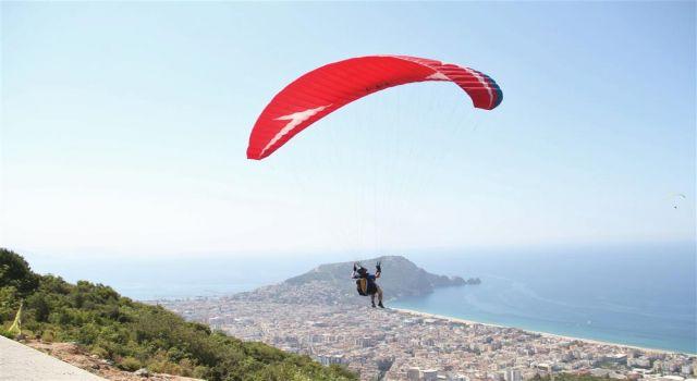 Pgaec yamaç paraşütü hedef kupası yarışları başladı