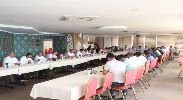 Ak parti muhtarları CK genel müdürü ile bir araya getirdi