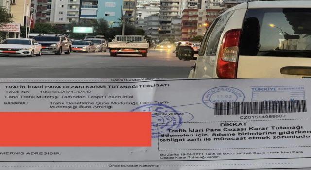 Kamil Çiçek Mahmutlar mahallesi Atatürk caddesinde yaşanan otopark sorununa isyan etti