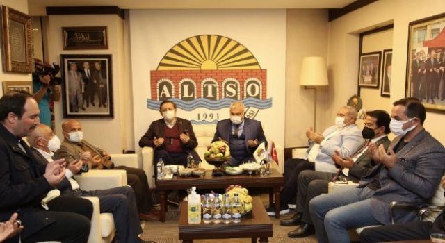 Rifat Hisarcıklıoğlu'ndan Başkan Şahin'e taziye ziyareti