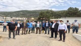 CHP'liler 1 Mayıs işçiler bayramı öncesi çalışanları ziyaret etti