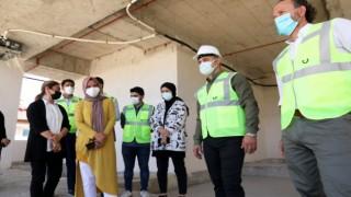 Başkan Adem Murat yücel yapımı devam eden yeni hizmet binasındaki çalışmaları yerinde inceledi