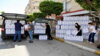 Başkan Mehmet Şahin tam kapamadada ihtiyaç sahiplerine ulaşıyor