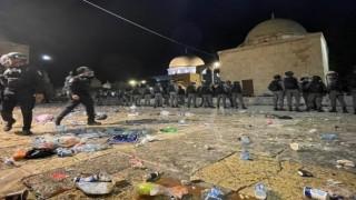 Durusoy mescid-i aksa'ya İsrail askerleri tarafından yapılan saldırıyı lanetledi