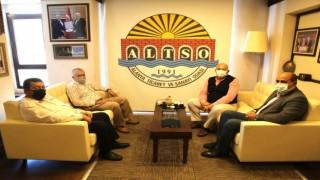 Hal dernek başkanları esnafa ve üreticiye destek olan Altso başkanı Mehmet Şahin'e teşekkür etti