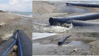 Türkler arıtmasından gelen su borular parçalandığı için denize akıyor
