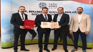 Yağlı güreş düzenleyen kentler birliği meclisi Antalya'da gerçekleşti
