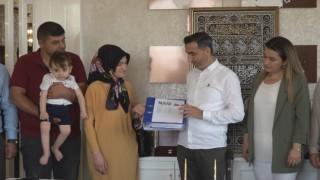Musiad Ahmet bebek için toplanan yardım dekontlarını teslim etti